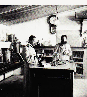Ricardo Jorge no seu laboratório