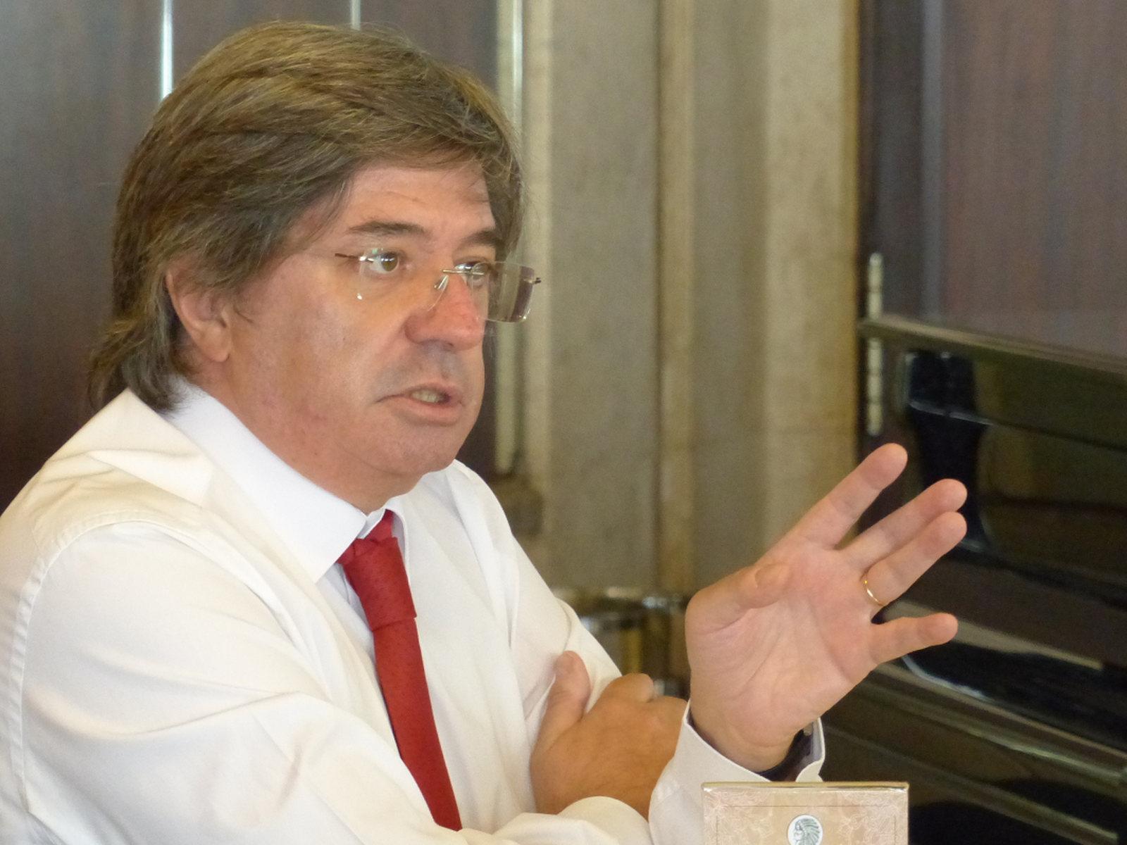 """Paulo de Morais releva, relembrando, casos escandalosos e diz ter """"receio que os Fundos Europeus, que estão para chegar, não venham acompanhados por um «kit» anticorrupção"""""""