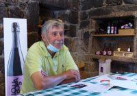 """Rogério de Castro, o único professor português catedrático em Viticultura, na sua Quinta de Lourosa: """"O vinho português é um produto rico, mas, insuficientemente, prestigiado!"""""""