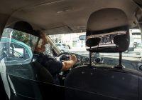 Município do Porto atribui 40 mil euros de apoio à instalação de separadores acrílicos nos táxis da cidade