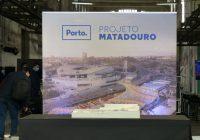 """Foi dado o """"pontapé de saída"""" para a reconversão do Matadouro Industrial do Porto! O """"cartão vermelho"""" dado pelo Tribunal de Contas foi recordado com ironia e a obra valorizada como """"ícone"""" de Campanhã, da Cidade, da Região e do País…"""