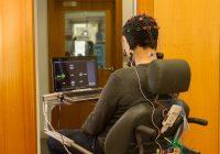 Nova abordagem para cadeiras de rodas controladas pelo cérebro obtém nível de precisão sem precedentes