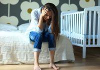 """Mais sozinhos e mais exaustos: estudo pioneiro revela que os países ocidentais são os mais afetados pelo """"burnout"""" parental"""