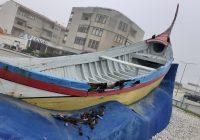 """Barco """"Sra. da Graça"""" a apodrecer no Furadouro é a imagem do abandono (há décadas!) da arte xávega"""